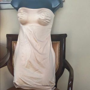 Brand new strapless body shaper in Nude